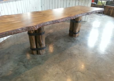 Banded table with top